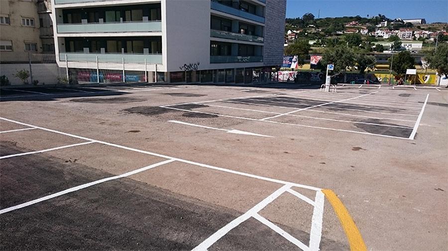 Mais lugares de estacionamento