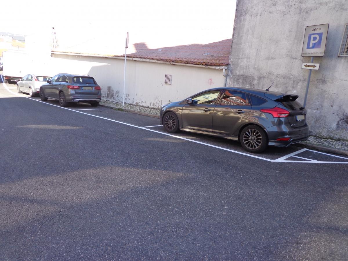 Loures Parque, EM, está a efetuar a remarcação das bolsas de estacionamento das ZEDL